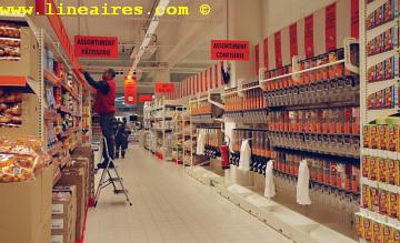 Moins de cadres et plus d'employés dans les hypers Auchan